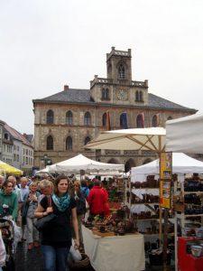 Marktplatz Weimar während des Töpfermarktes